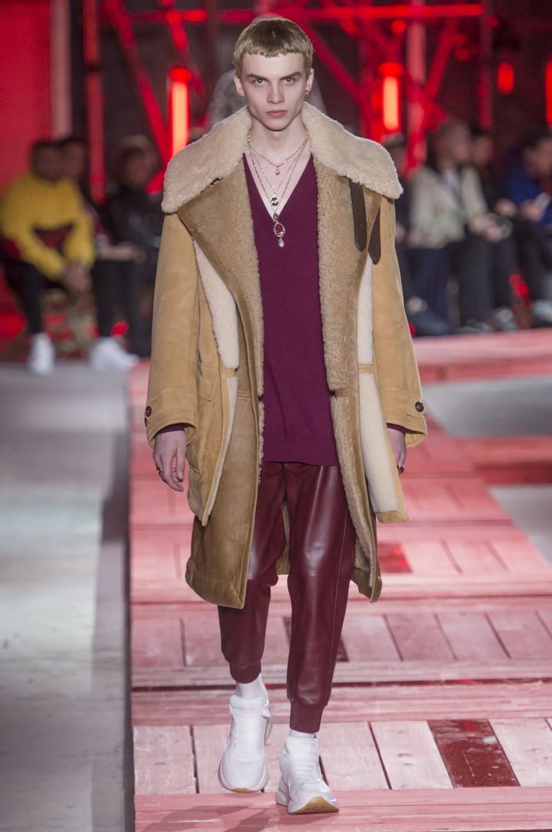 Alexander McQueen - Fall/Winter 2018-2019 - Paris Fashion Week