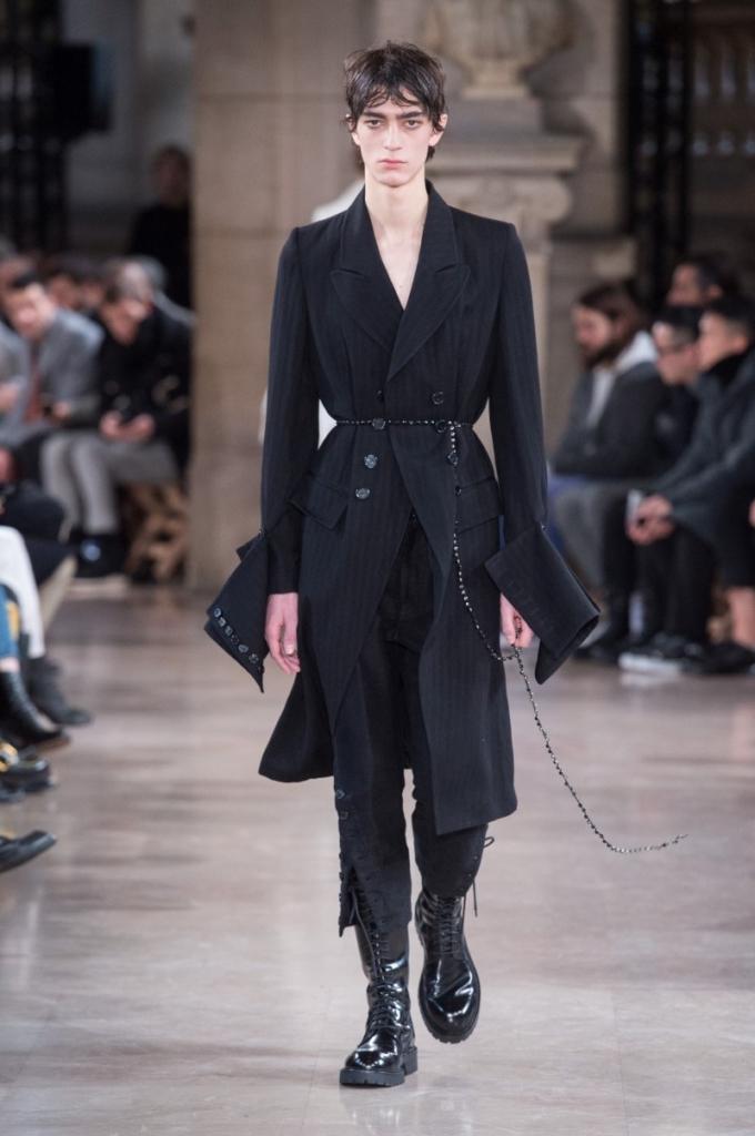 Ann Demeulemeester - Automne/Hiver 2018-2019 - Paris Fashion Week