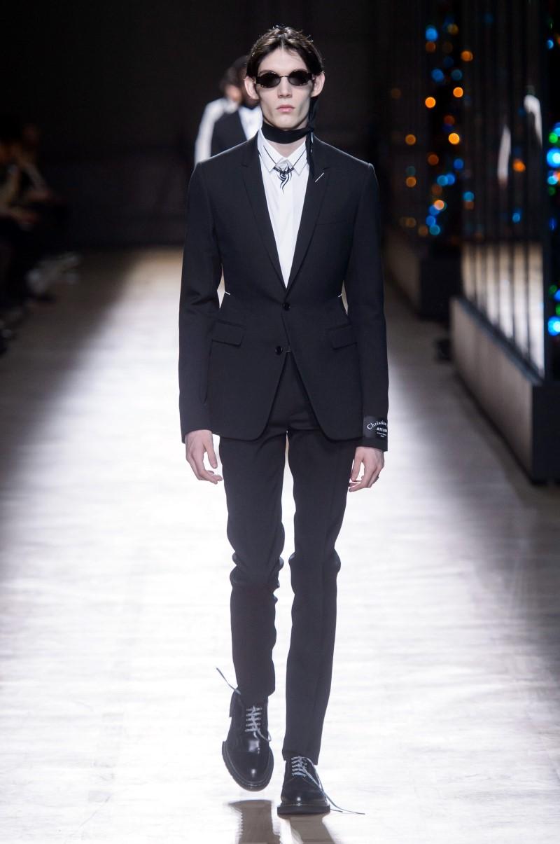 Dior Homme – Automne Hiver 2018-2019 – Paris Fashion Week dfb650ec7c0