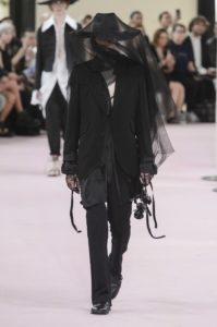 Ann Demeulemeester Printemps/Eté 2019 - Paris Fashion WeekAnn Demeulemeester Printemps/Eté 2019 - Paris Fashion Week