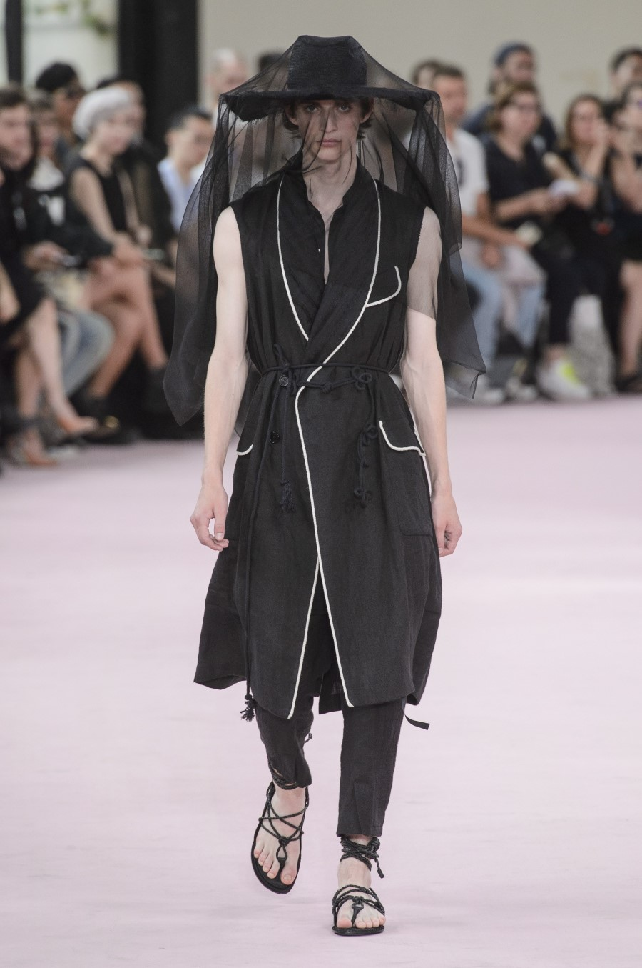 Ann Demeulemeester Spring/Summer 2019 - Paris Fashion Week