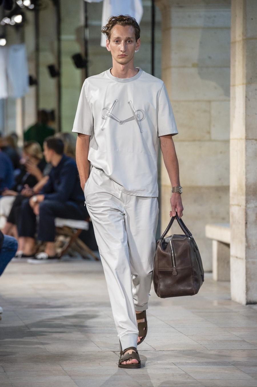 Hermès – Printemps Été 2019 – Paris Fashion Week - Essential Homme bccc3e3b6a2