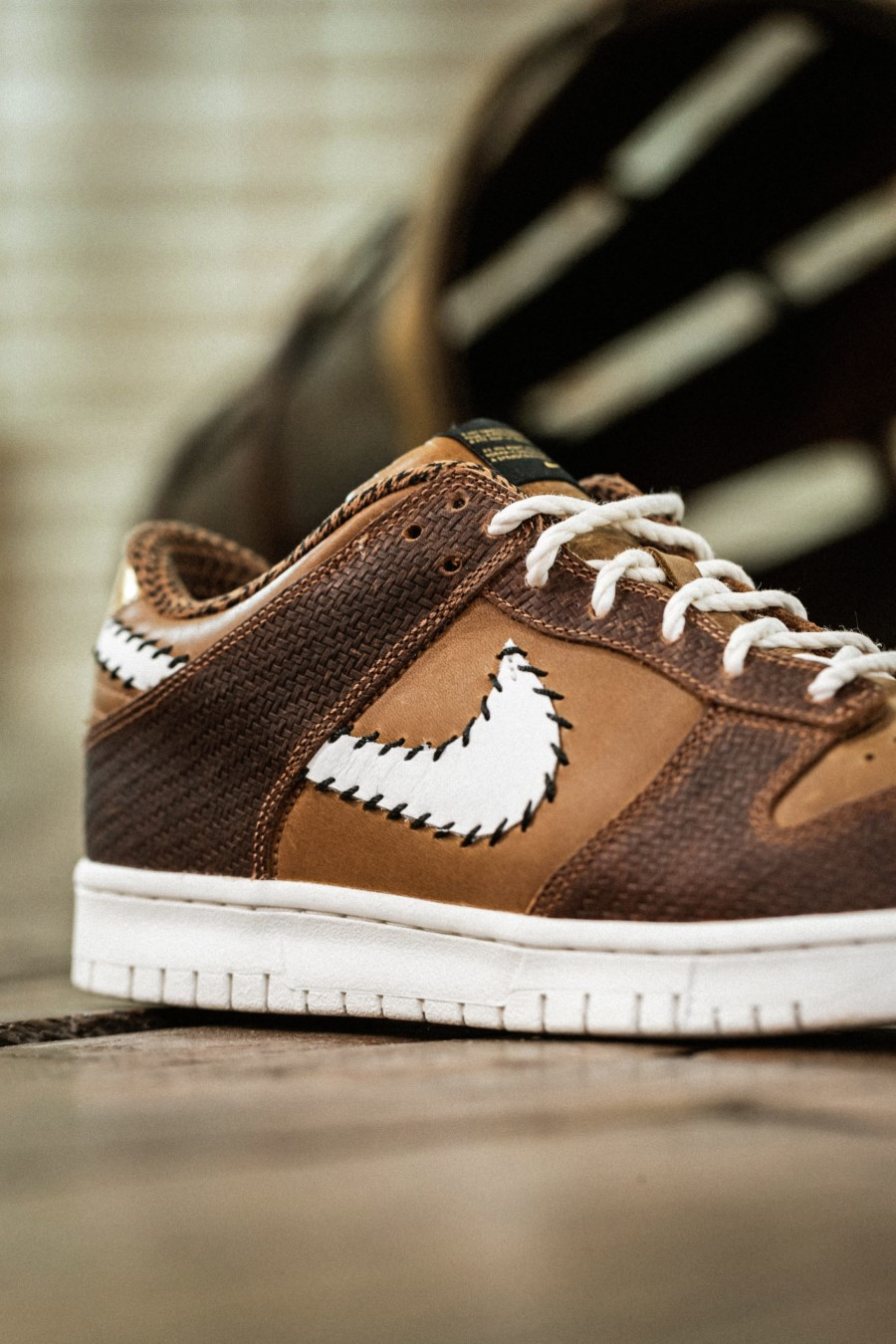 Nike Dunk Low PRM QS Paris