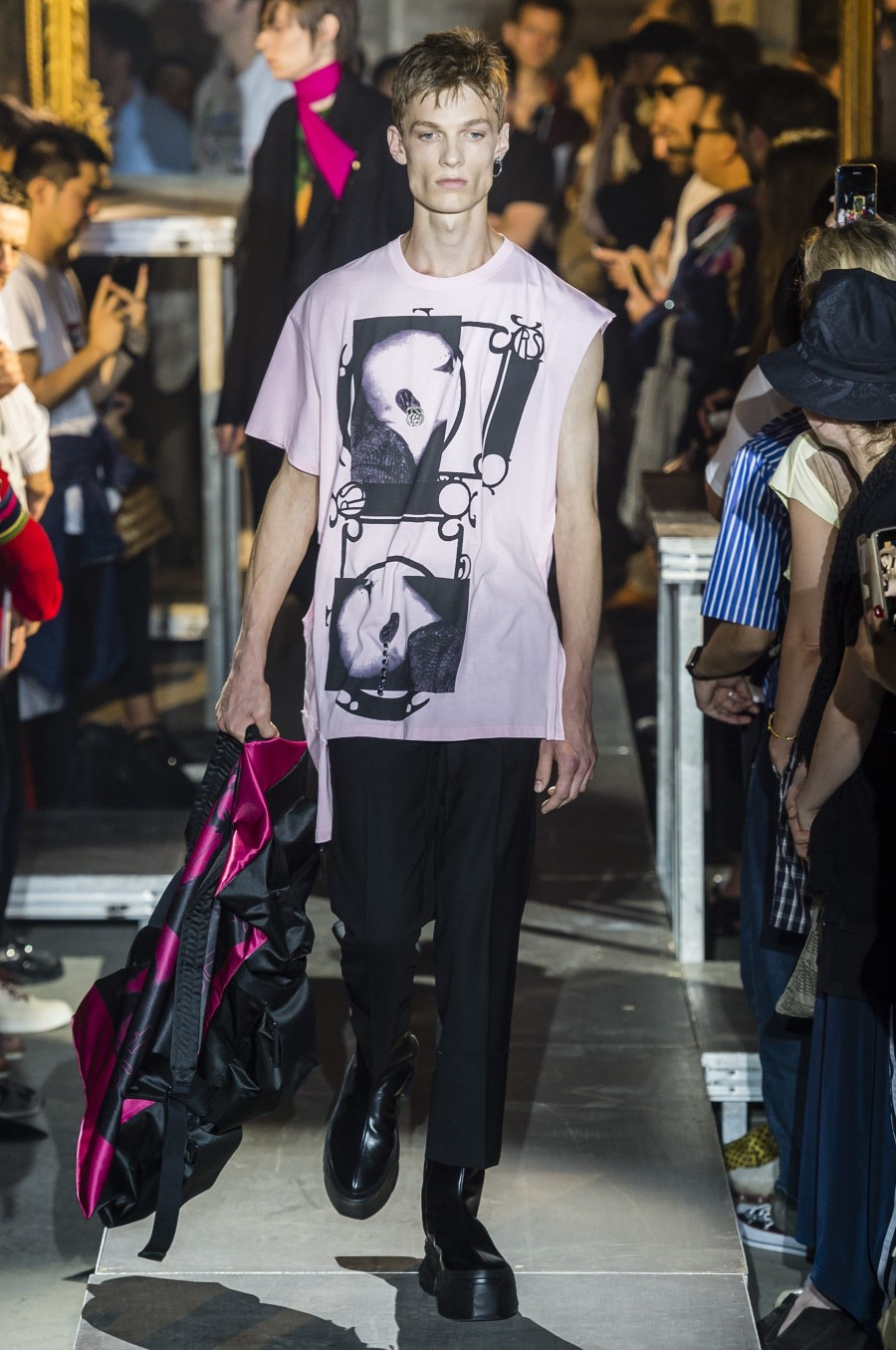 Raf Simons Spring/Summer 2019 - Paris Fashion Week