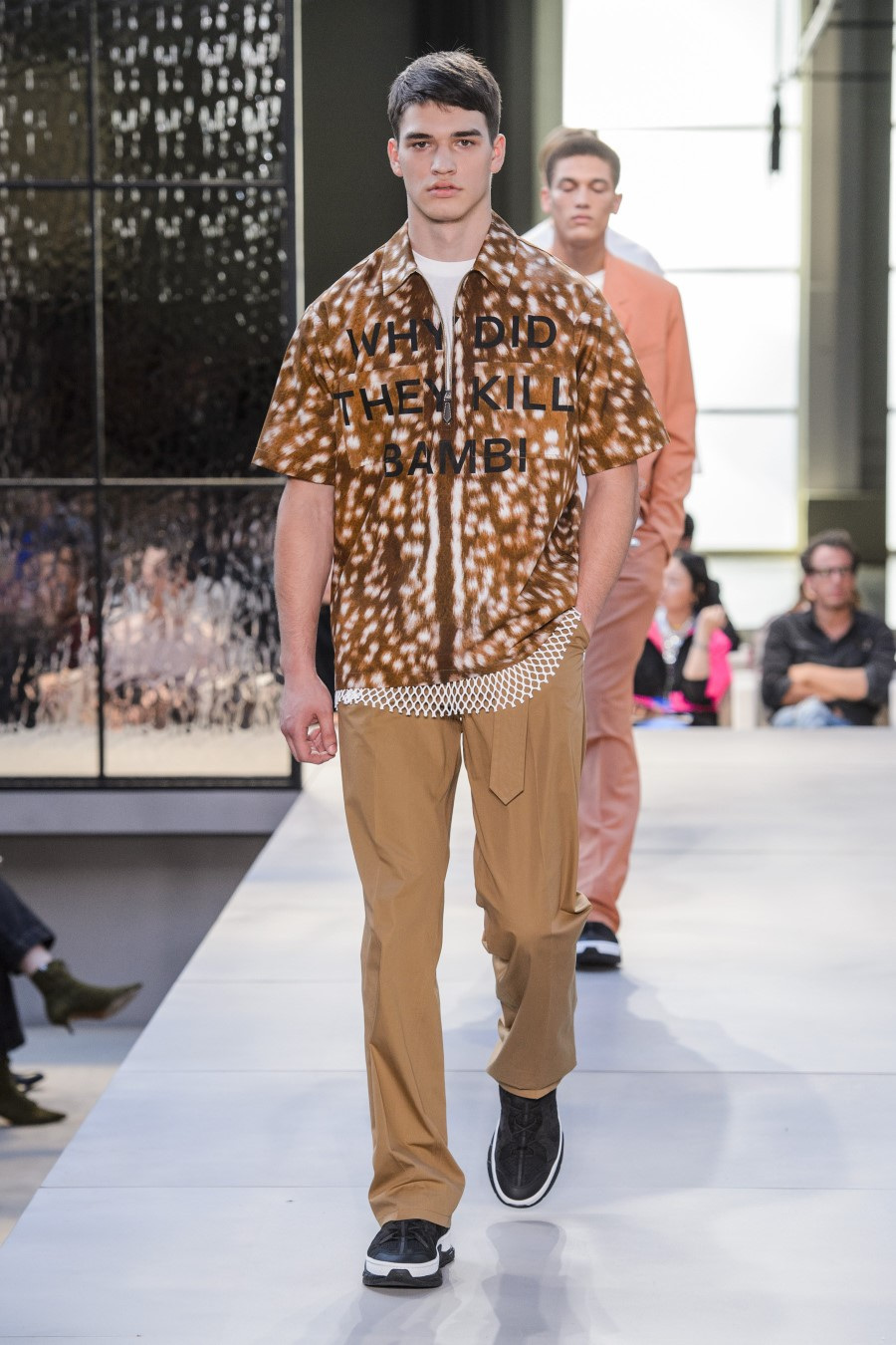 Burberry Printemps-Été 2019 – London Fashion Week