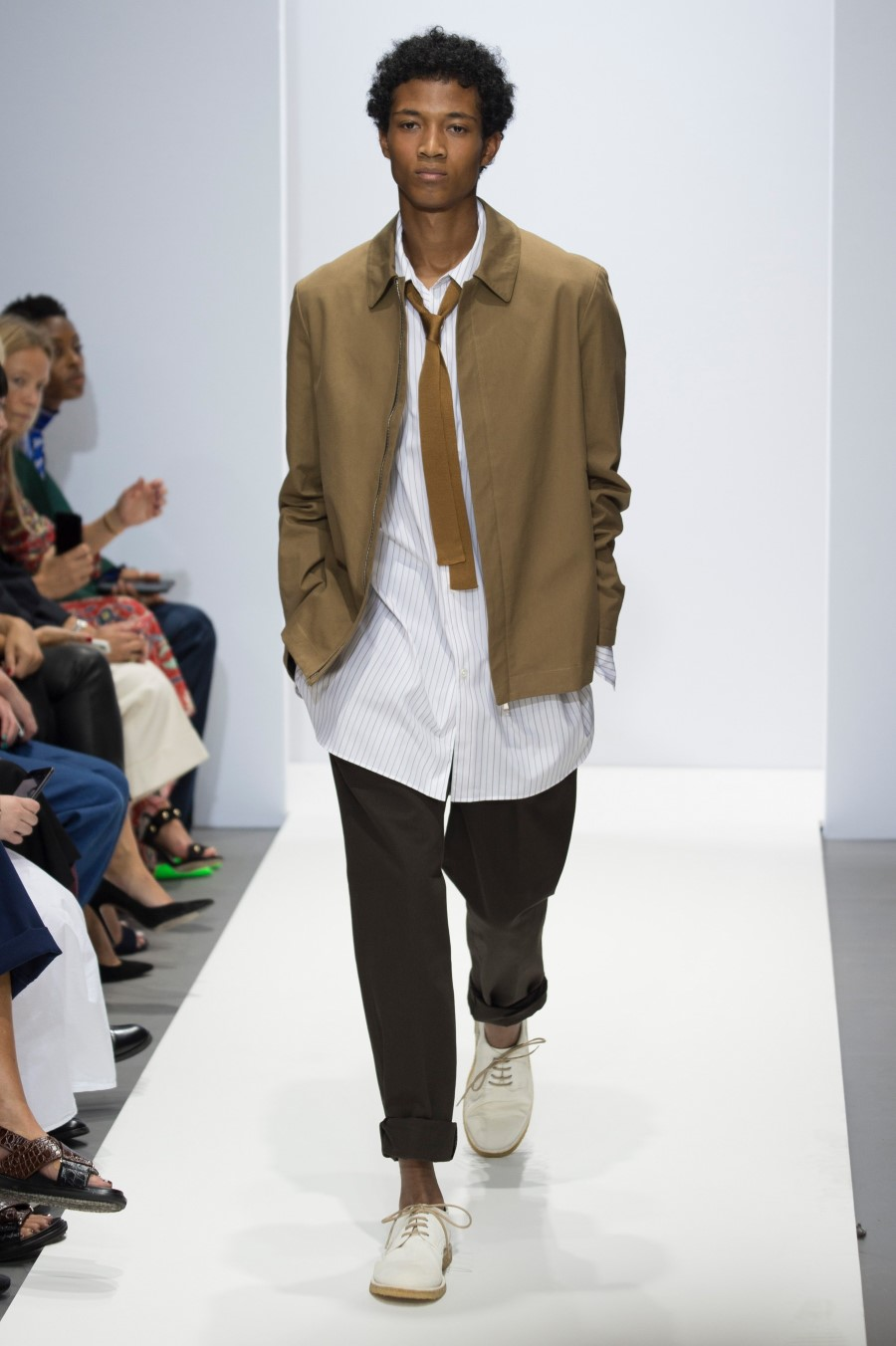 London Fashion Week Archives - Essential Homme 82686211311