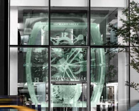 KENZO ouvre une nouvelle boutique unique en son genre rue Vieille du ... 111f827f3c0
