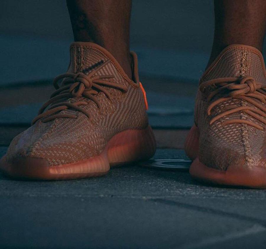 adidas YEEZY BOOST 350 V2 Region Exclusive - Clay