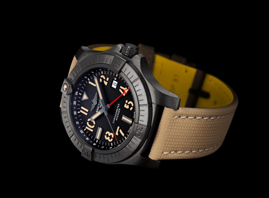 Breitling Avenger Collection - Breitling Avenger Automatic GMT 45