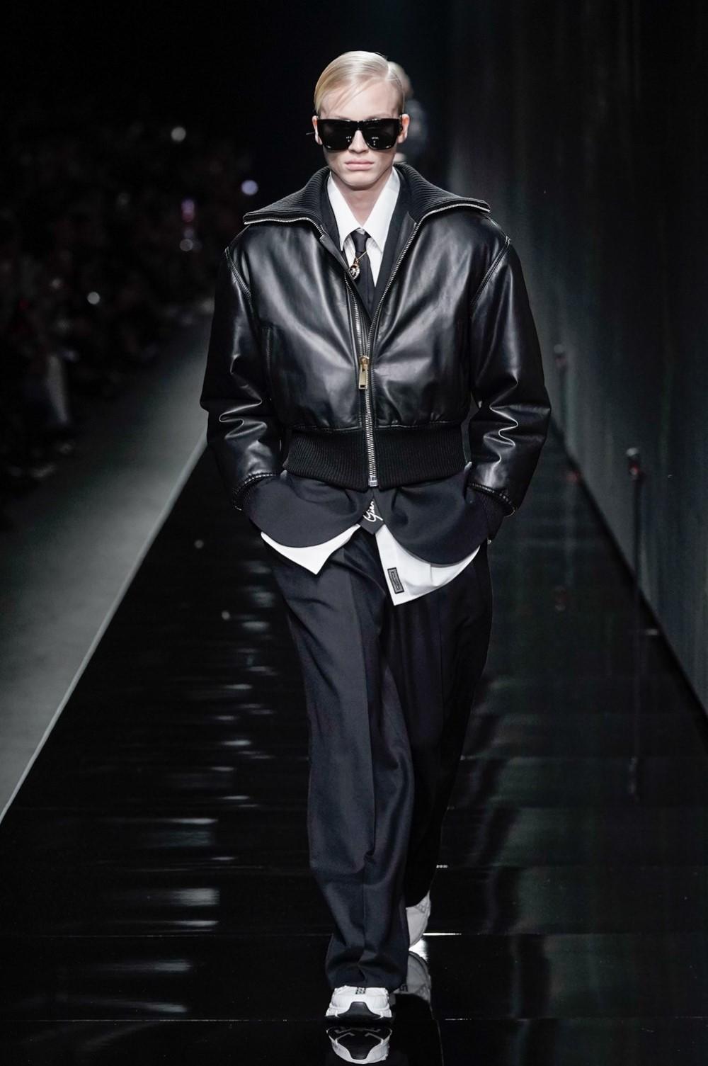 Versace Automne-Hiver 2020-2021 - Milan Fashion Week