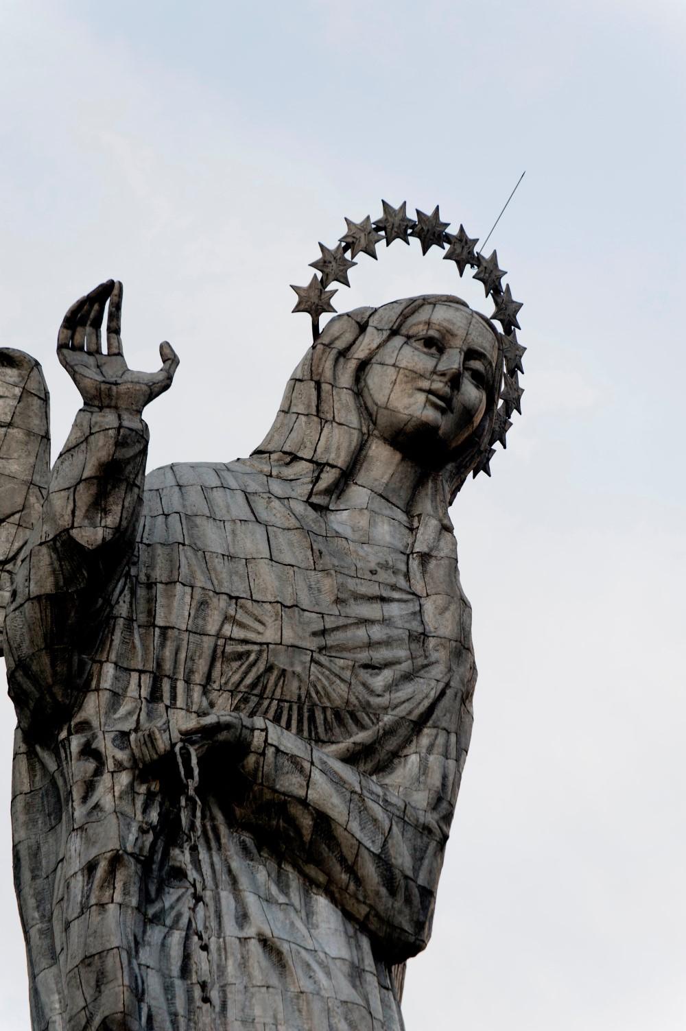 Dix Chefs-d'œuvre colossales - Vierge de Quito Équateur