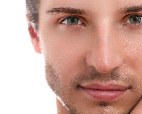 Les crèmes essentielles pour maintenir la beauté de vos yeux