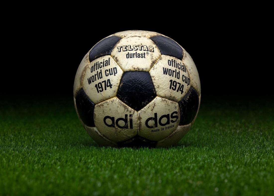 Retour sur un demi-siècle FIFA - adidas Durlast Allemagne 1974