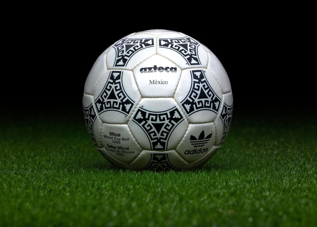 Retour sur un demi-siècle FIFA - adidas azteca Mexique 1986