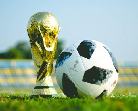 Retour sur un demi-siècle de ballons officiels adidas de la Coupe FIFA