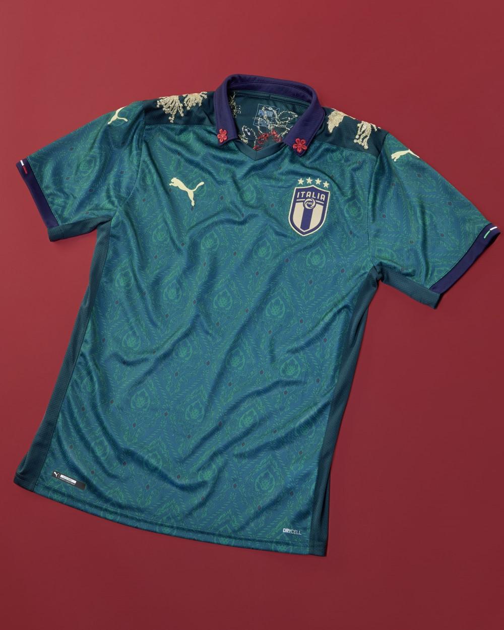 PUMA Football x The Football Gal - Third Kit