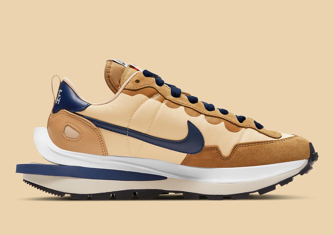 sacai x Nike Vaporwaffle Sesame