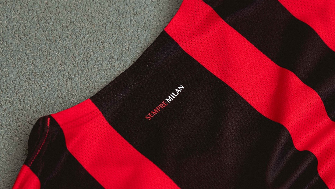 PUMA Football x AC Milan Maillot Domicile 2021-2022