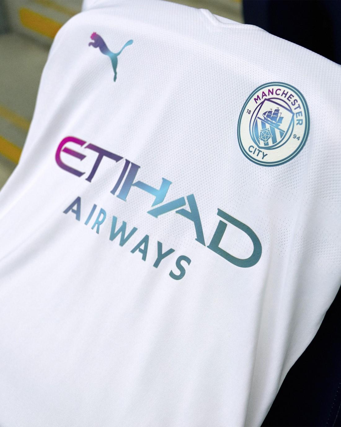 PUMA Football x Manchester City - Kit Extérieur 2021-2022