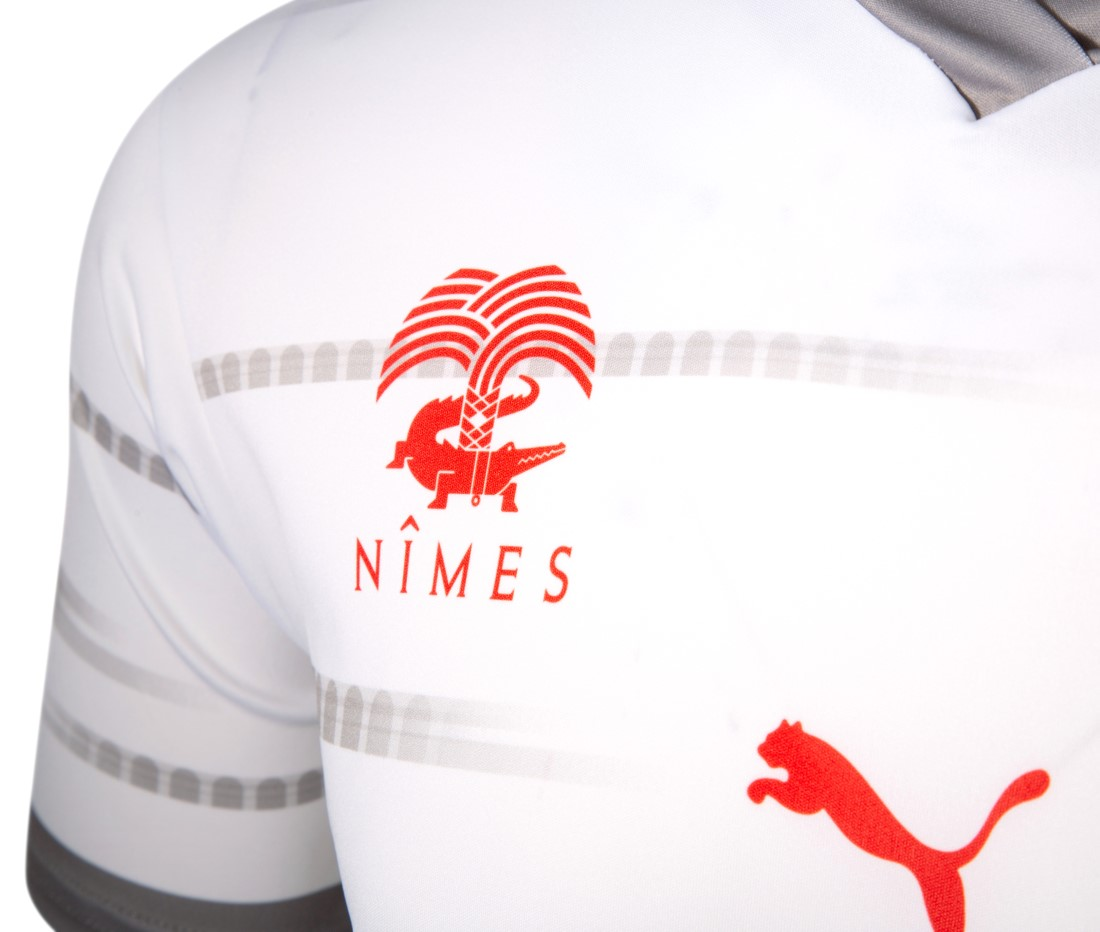 PUMA Football x Nîmes Olympique 2021-2022 - Troisième Kit