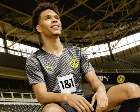 PUMA Football x Borussia Dortmund - Maillot Extérieur 2021-2022