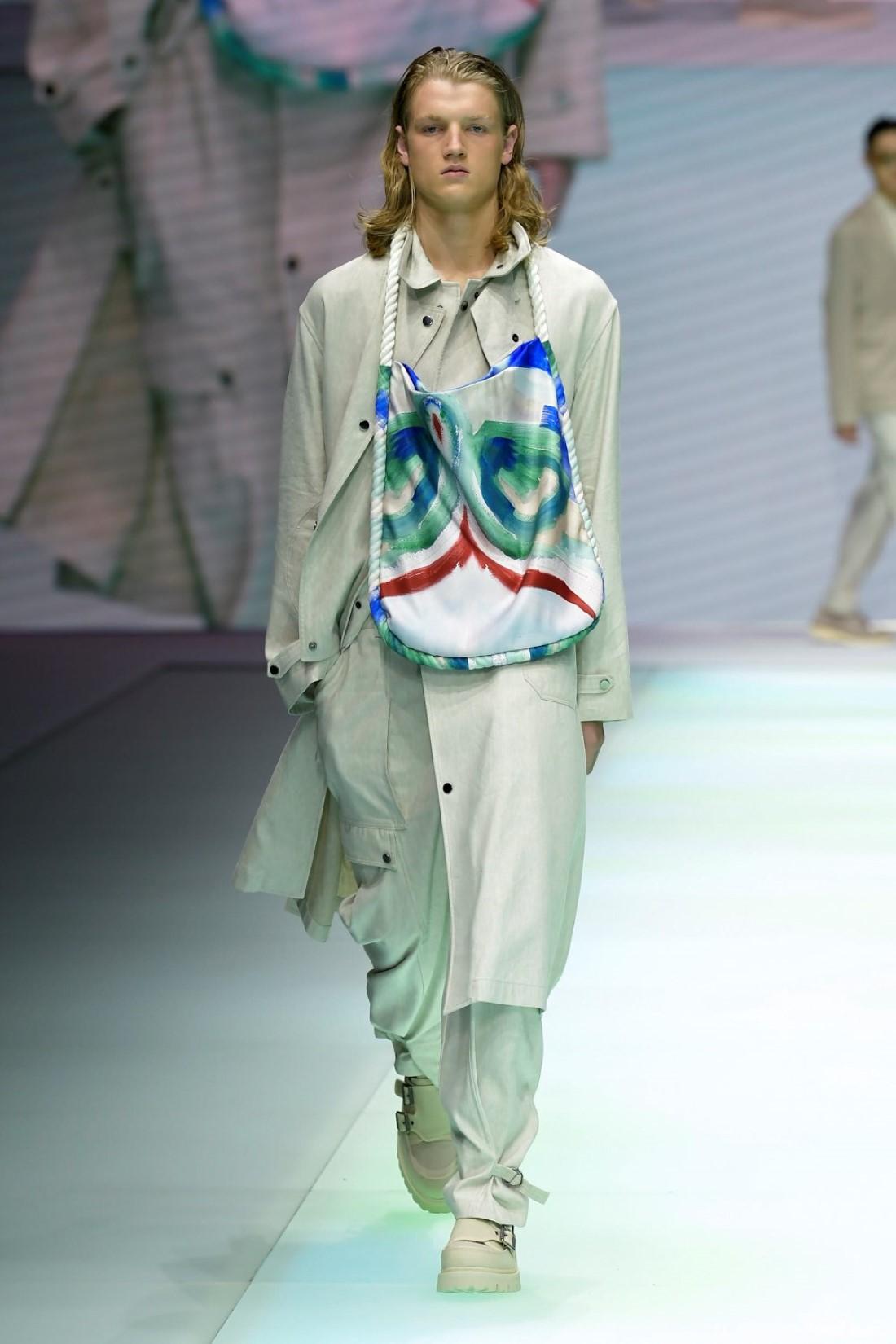 Emporio Armani - Printemps-Été 2022 2022 - Milan Fashion Week