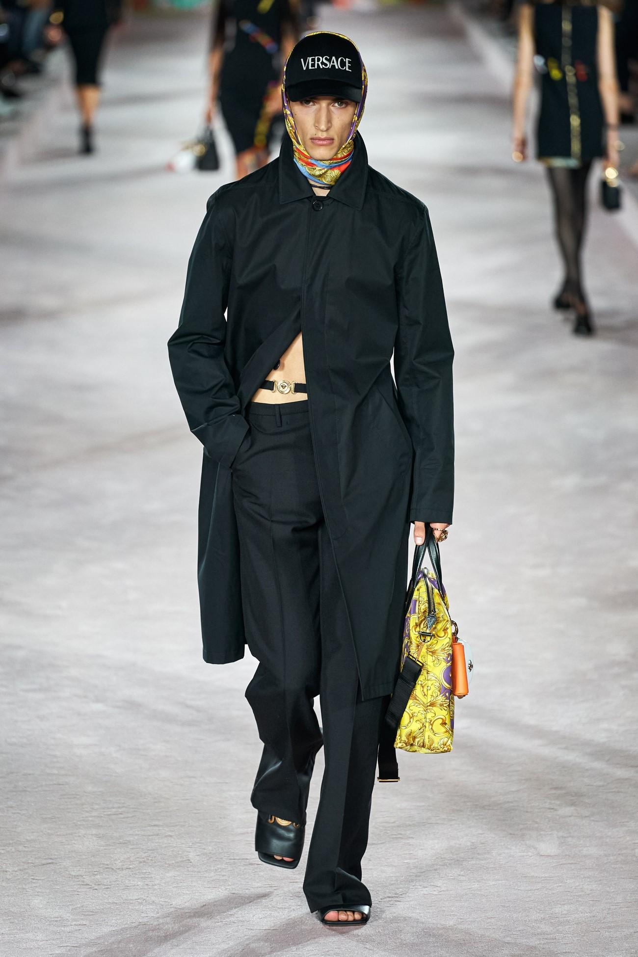 Versace - Printemps-Été 2022 - Milan Fashion Week