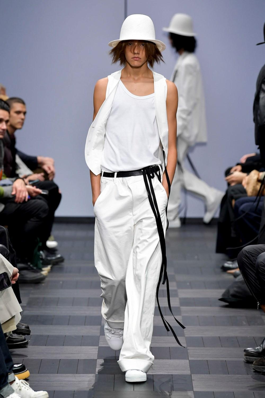 Ann Demeulemeester - Printemps-Été 2022 - Paris Fashion Week