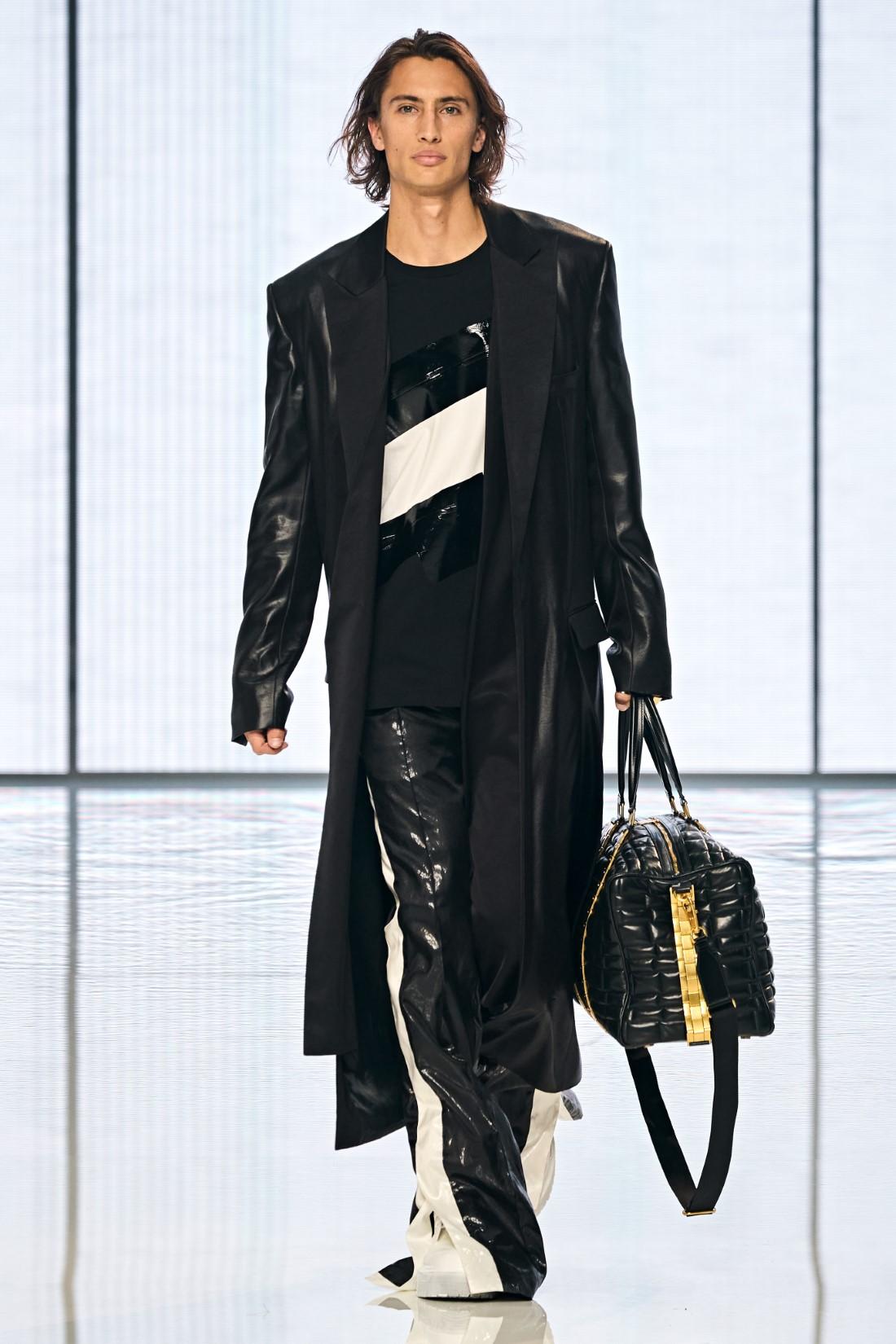 Balmain - Printemps-Été 2022 - Paris Fashion Week